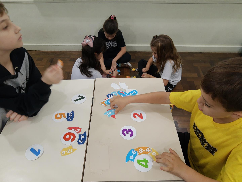 Atividade matemática envolve as famílias do 1° ano D do Ensino Fundamental da IENH