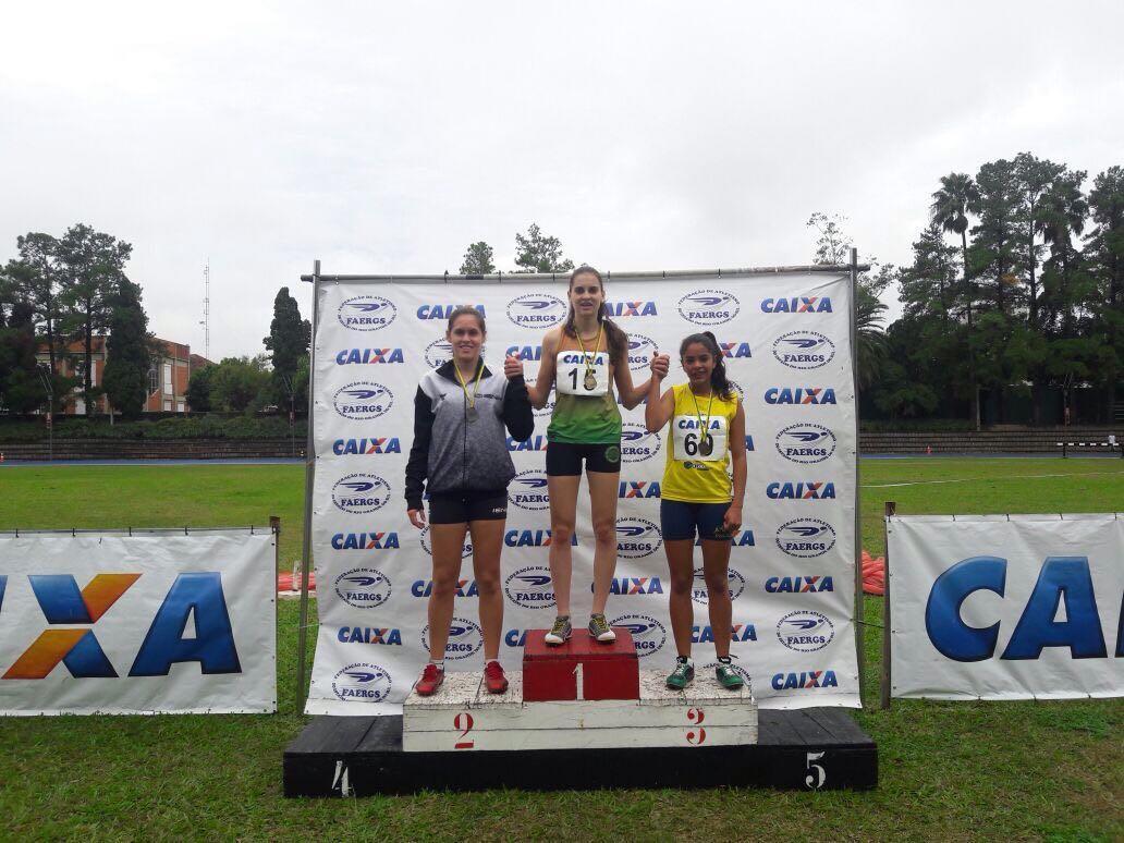 Atletismo da IENH conquista medalhas no Campeonato Estadual Adulto