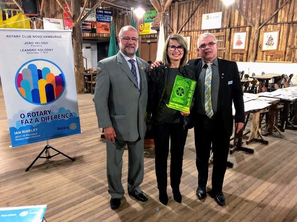 Coordenadora dos Programas Socioambientais da IENH recebe Selo Verde do Rotary Club