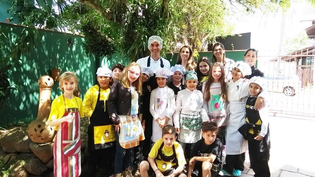 Dia de imersão na Língua Inglesa com culinária para alunos do 4º ano B