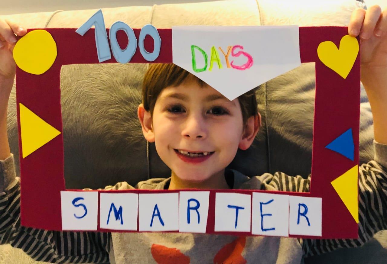 """Estudantes do Currículo Bilíngue celebram """"100 days smarter"""""""
