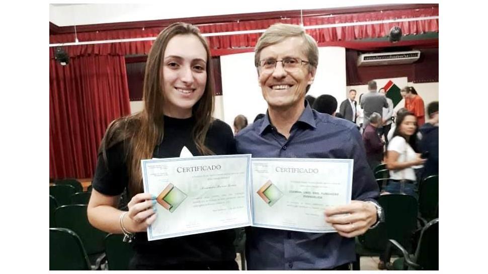 IENH recebe Menção Honrosa pelo desempenho de aluna no processo seletivo da Fundação Liberato