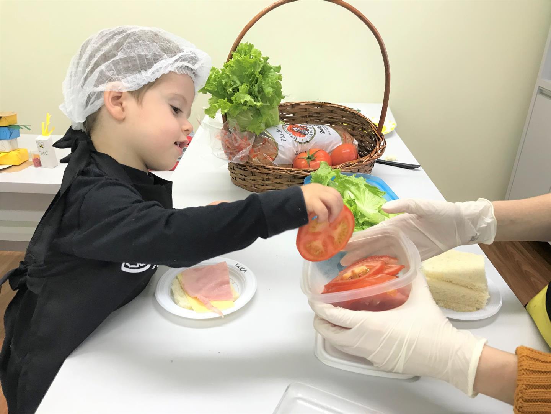 Literatura e cooking class proporcionam aprendizagem significativa para crianças do Nível 2 da IENH