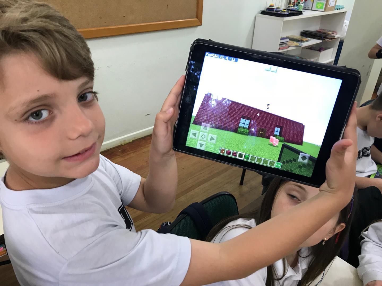 Literatura Inglesa e Minecraft possibilitam experiências de game e gamificação