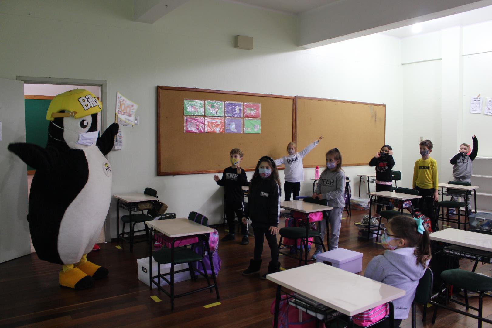 Turmas do Ensino Fundamental da Unidade Pindorama celebram 100 dias de aula