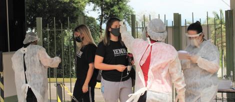 1ªs séries do Ensino Médio têm atividades presenciais retomadas na IENH