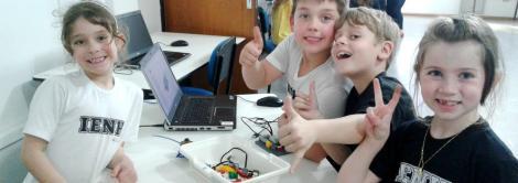 Alunos criam mascote olímpico com programação no Lego Education