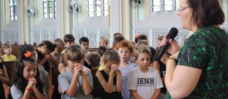 Alunos da Unidade Oswaldo Cruz participam da primeira meditação do ano na Igreja Ascensão