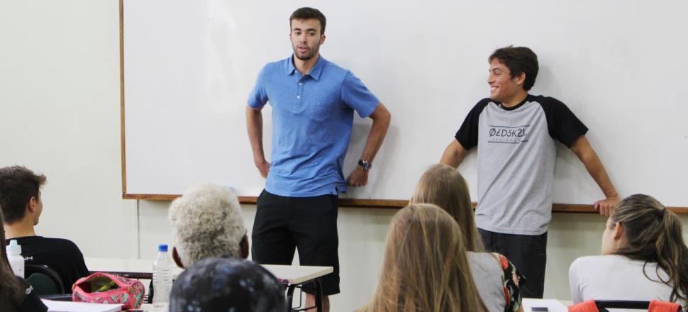 Alunos das 3ªs séries participam de bate-papo com ex-alunos aprovados na UFRGS