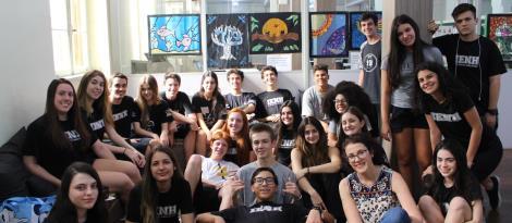 Alunos do Ensino Médio realizam exposição de artes na Biblioteca da Unidade Fundação Evangélica
