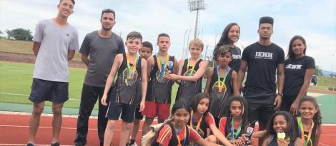 Atletismo da IENH é campeão do Campeonato Estadual sub-12