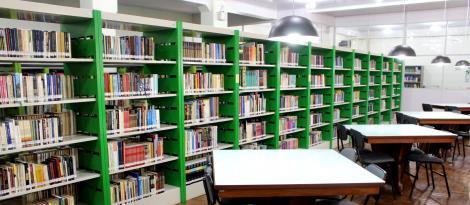 Biblioteca da Fundação Evangélica atende com horário especial nas férias