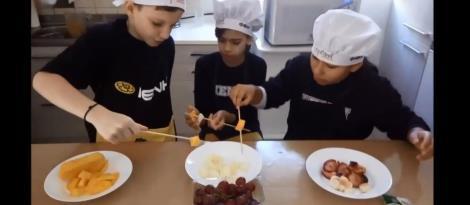 Cozinha que Inspira: alunos ensinam receitas culinárias em vídeos