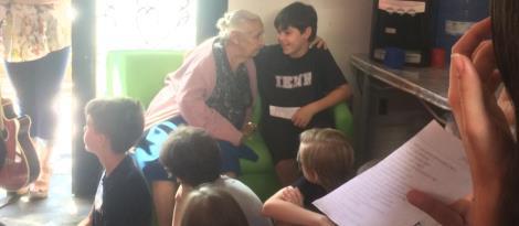 Ensino Fundamental da IENH realiza visitas ao Lar Alice Xavier