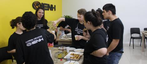 Curso Técnico em Administração realiza atividade culinária