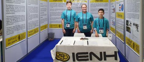 Em Abu Dhabi, pesquisa de alunos da IENH é apresentada na feira internacional MILSET ExpoSciences