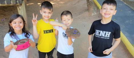 Espaço Brincar e Criar desenvolve atividade a partir de história na língua inglesa