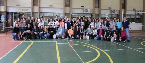 Grêmio Estudantil realiza homenagem pelo Dia do Professor e Funcionário Escolar na Unidade Fundação