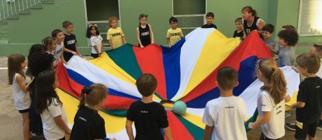 Histórias proporcionam momentos de interação e descobertas no Currículo Bilíngue