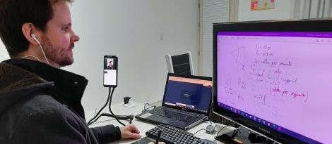 Mesa digitalizadora: tecnologia digital facilita as aulas on-line de física do Ensino Médio