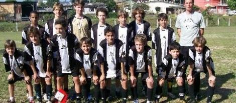 Equipe de Futebol Infantil Masculina da IENH é Campeã Municipal dos Jogos Guri Bom de Bola