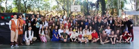 Pesquisa na prática: estudantes do Ensino Médio promovem feira medieval