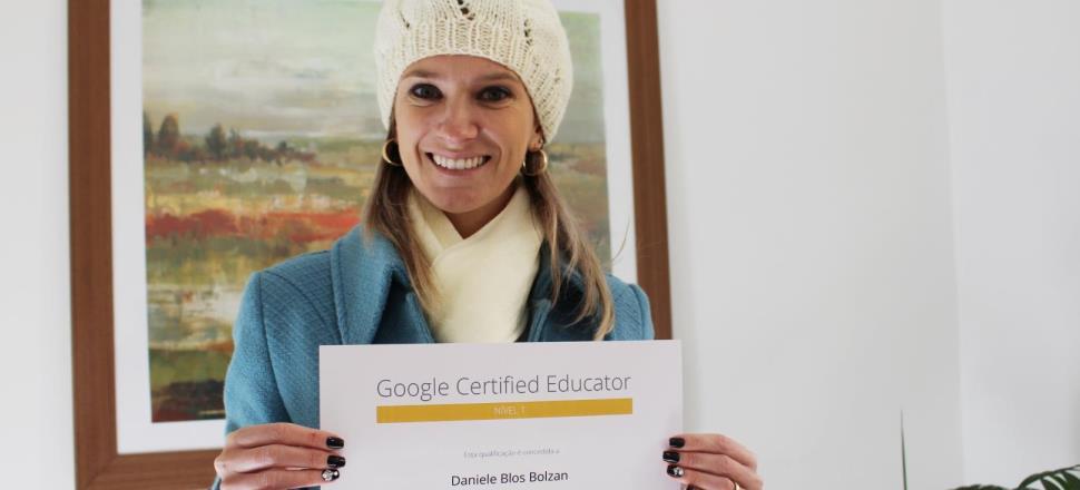 Professora da IENH recebe titulação de Educadora certificada pelo Google