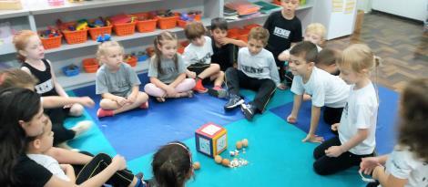 Relação entre os números e as quantidades é trabalhada na aula da Educação Infantil