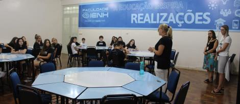Reunião de acolhimento ocorre com os novos estudantes da Unidade Fundação Evangélica