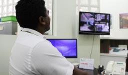 Portaria e monitoramento com câmeras de vigilância 24 horas